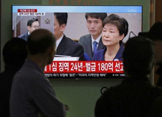 transmiten-en-vivo-juicio-de-expresidenta-surcoreana-le-dan-24-anos-de-prision-por-corrupcion-video