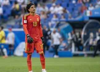 Guillermo Ochoa, con peligro a la vista en Champions