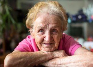 Explican por qué viven más tiempo las mujeres que los hombres