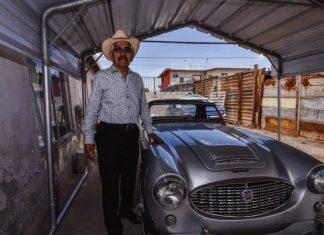 Un 'mustang' viejo en Mexicali, un bote de pintura en Calexico