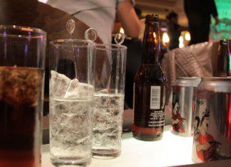 Hay 12 muertos en India por consumir licor en mal estado