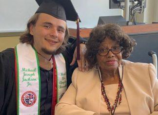 Hijo de Michael Jackson se gradúa en la universidad