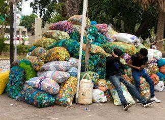 Reúne Cachito de Luz 30 toneladas de tapitas