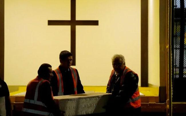 Abren tumbas en el vaticano; estaban vacías