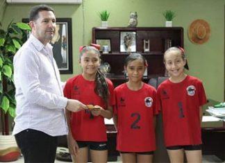 Águilas de Miguel Alemán recibe apoyos del Presidente Municipal