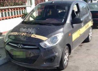Grúa rescata taxi robado