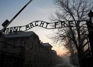 Libro recupera testimonios del juicio de Auschwitz