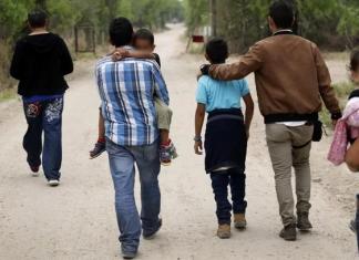EU suspende deportación inmigrantes indocumentados enfermos