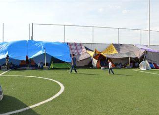Reynosa, Tam.-Las pequeñas casas improvisadas en tiendas de campaña donde viven cientos de migrantes en los albergues de Reynosa y sus pertenencias