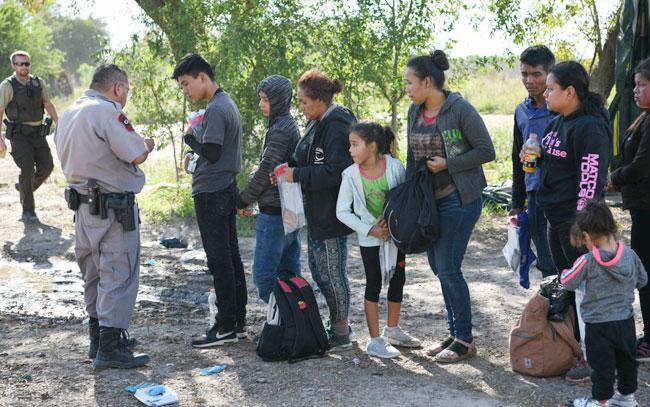 EE UU detiene en un año a casi un millón de inmigrantes en la frontera con México