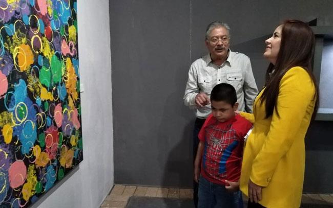 """Preinauguran FIO con """"Corazones A La Obra"""""""