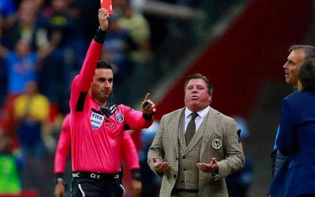 Es Herrera el DT más indisciplinado de la Liga MX