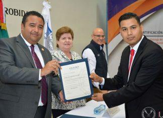Obtienen alumnos de la UAT certificaciones internacionales