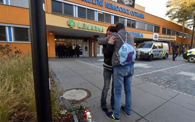 Hombre asesina a 6 personas en hospital checo y se suicida