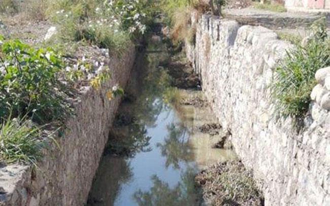 Convertido dren pluvial en conducción de aguas negras