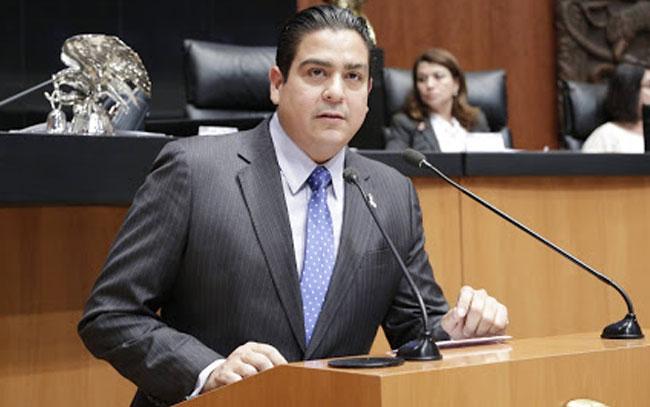 Solicita senador García Cabeza de Vaca se condone pago de luz