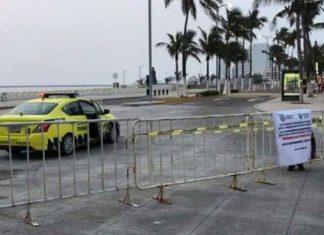 Con vallas cierran paso a playas en Veracruz por Covid-19