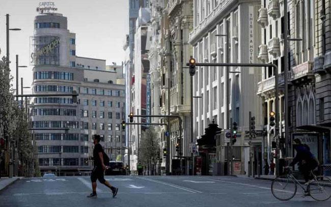 Iniciará España proceso de desconfinamiento