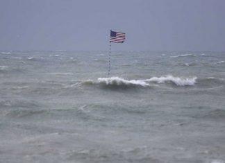 Prevén que 'Isaías' azote las Carolinas convertida en huracán