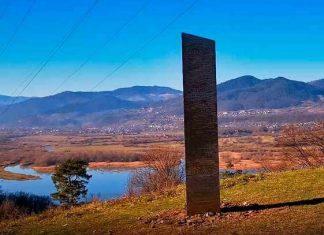 Aparece un nuevo monolito en Rumania, parecido al de Utah