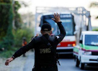 Caravana migrante es devuelta a Honduras tras represión