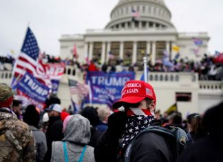 Detenido excandidato republicano por participación en toma del Capitolio