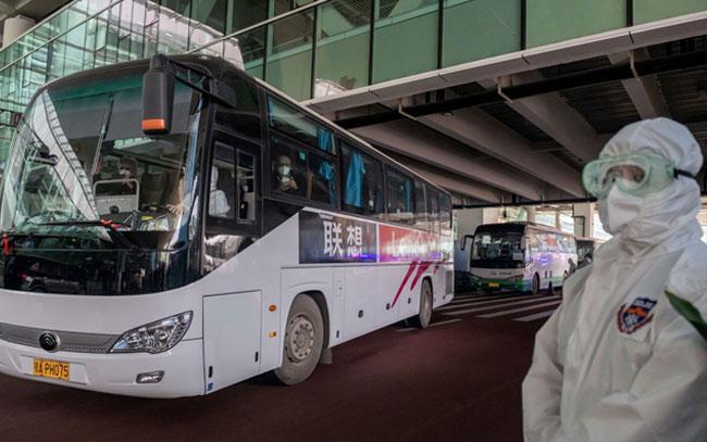 Llegan a China expertos de la OMS para investigar origen de coronavirus