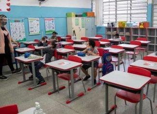 Analizan esquema de reapertura de escuelas