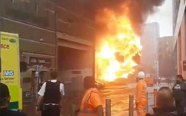 Captan explosión cerca de estación de tren en Londres (VIDEO)