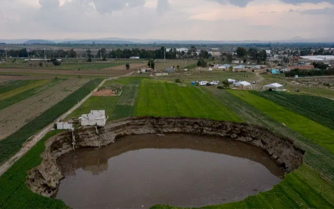 Clasifican en Google Maps el socavón de Puebla como atracción turística