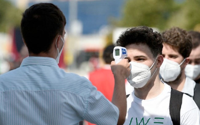 Sheinbaum llama a jóvenes a seguir medidas sanitarias ante alza de casos de covid-19