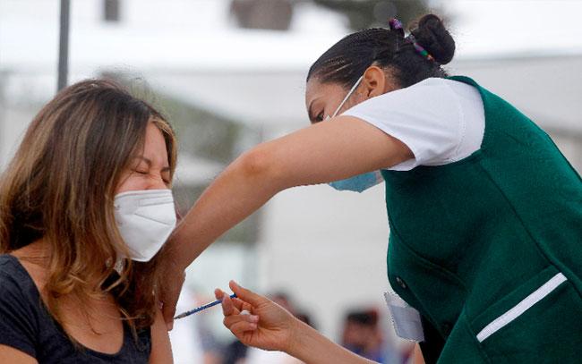primer estado en vacunar a mayores de 18 años contra COVID-19