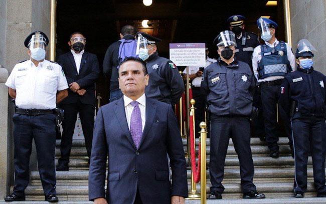 Gobernador de Michoacán lleva a la Suprema Corte pruebas contra Morena