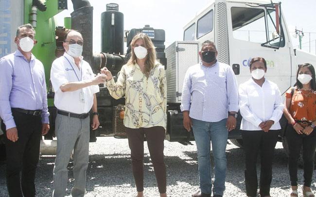 Mayor de McAllen dona camión Vactor a Comapa Reynosa