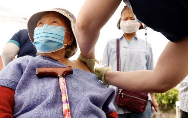 Porqué usar mascarilla si las vacunas son efectivas