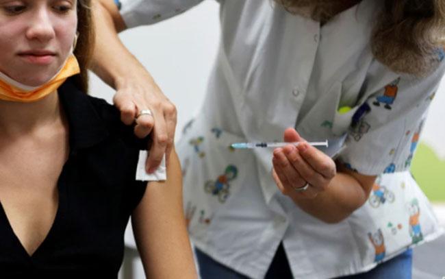 Vacunados podrían estar propagando variante del Delta