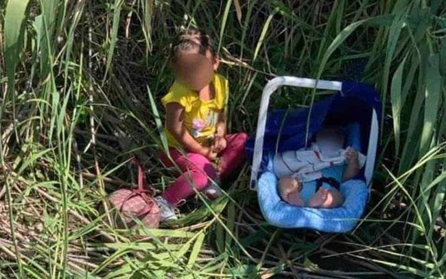 Abandonan a dos menores en la orilla del río