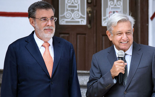 Confirma López Obrador renuncia de Julio Scherer