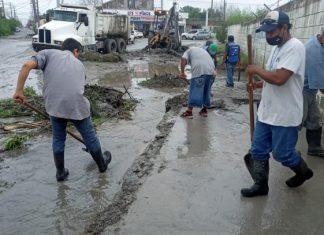 Exhorta Obras Públicas a recoger basura y evitar abrir tapas del drenaje