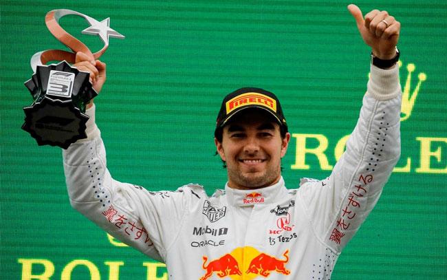Checo Pérez en tercer lugar en la F1
