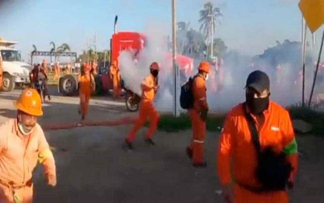 Enfrentamiento en refineria Dos Bocas en Tabasco