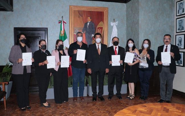 Entrega Presidente Municipal de Matamoros nuevos nombramientos