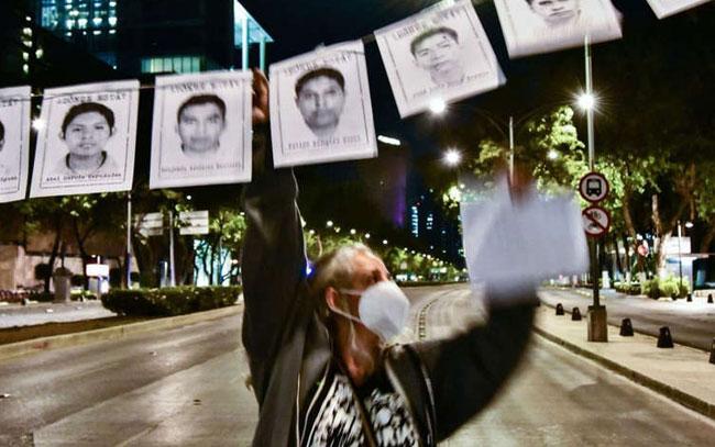 Mando de la policía de Iguala entregó normalistas a los