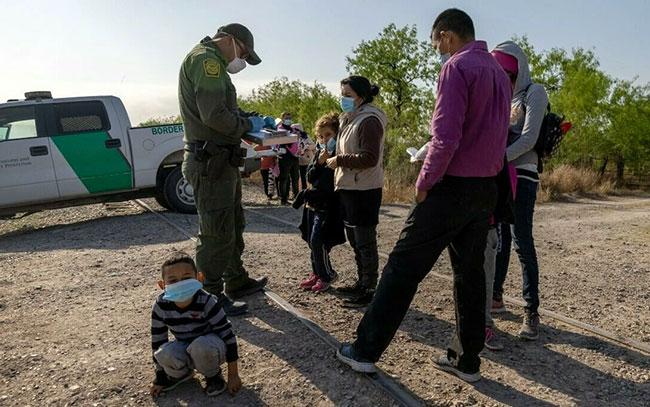 Republicanos presentan plan para frenar inmigración
