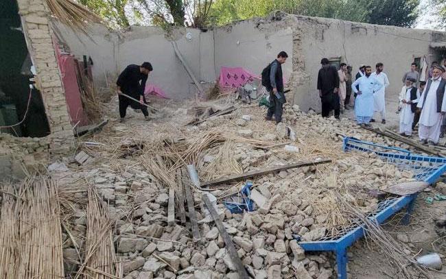 Sismo en Pakistán deja al menos 20 muertos